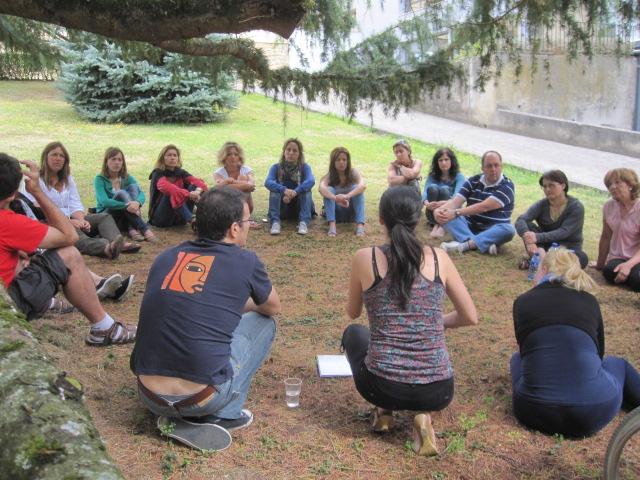 Sobre la influencia de los líderes en las consultas colectivas